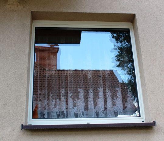 Okno z roletą 136cm na 142cm