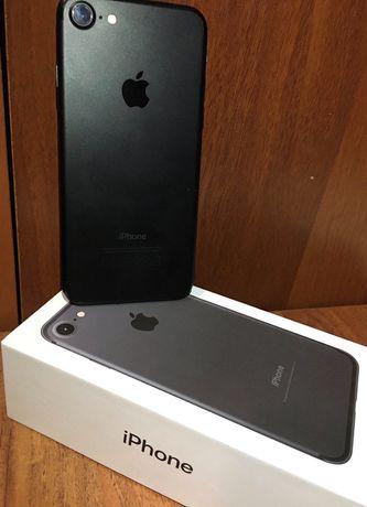 Продам телефон iPhone 7