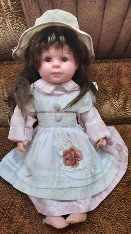 Кукла на батарейках