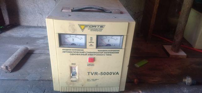 Вводной стабилизатор напряжения Forte TVR 5000 VA