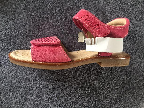 Sandały - długość wkładki 17 cm