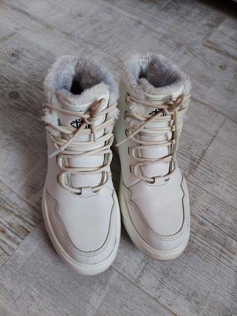Ботинки кроссовки белые  Stilli 39размер