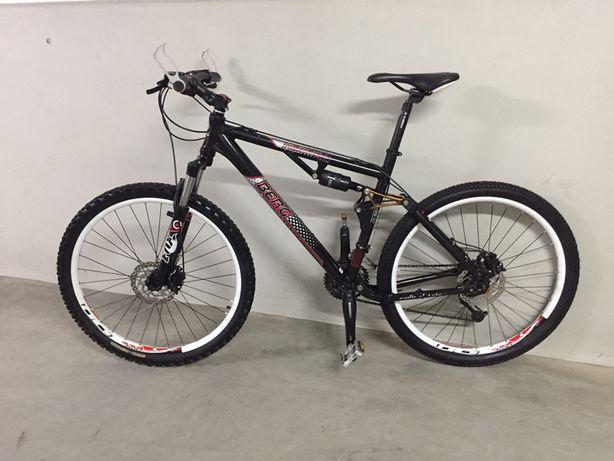 Bicicleta suspensão total, dupla suspensão