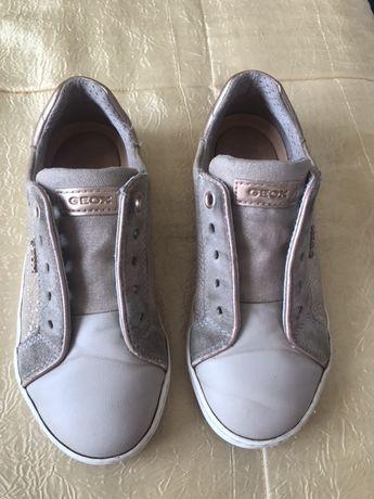 Кроссовки на девочку Geox-31 и 33 размеры ,Clark's -29размер