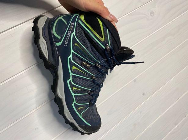 Чоловіче взуття Solomon