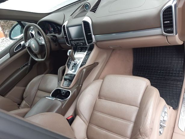 Porsche Cayenne 7p5 fotele silnik maska drzwi części