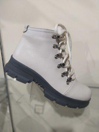 Зимние ботинки из 100% натуральной кожи