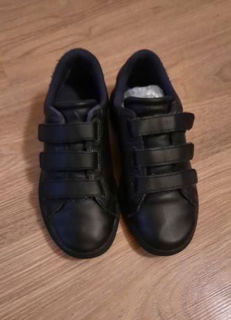 Шкіряні фірмові кросівки