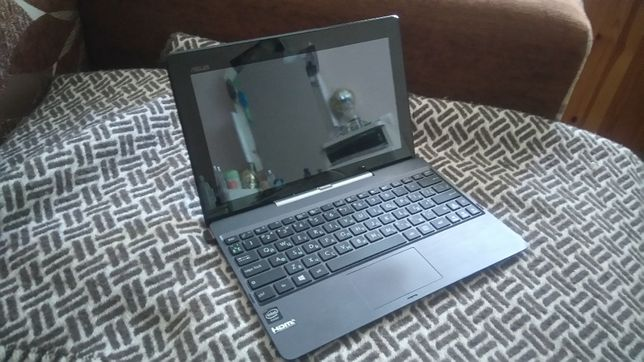 """планшет Asus T100T, з клавіатурою на Windows, діагональ 11"""""""