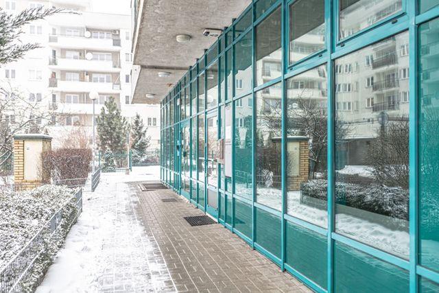 lokal użytkowy 47 m2 do wynajęcia około 400 m od metra ,,Wilanowska,,