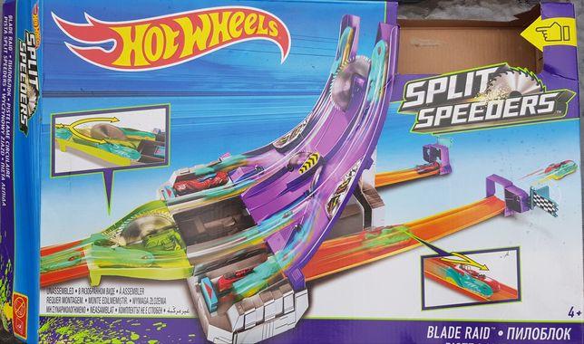 Tor hot wheels piła auto magnesiaki Split Speeders