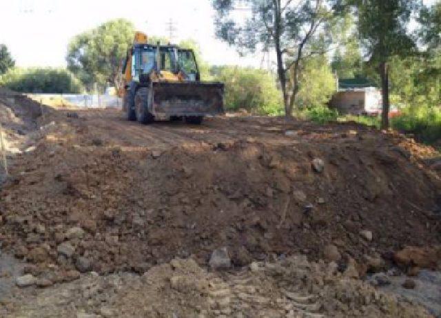 Подсыпка для строительств, земля с камнем, грунт, глина.