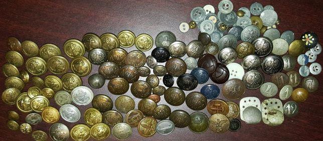 Kolekcję starych guzików mundurowych zamienię na MDLot Puck