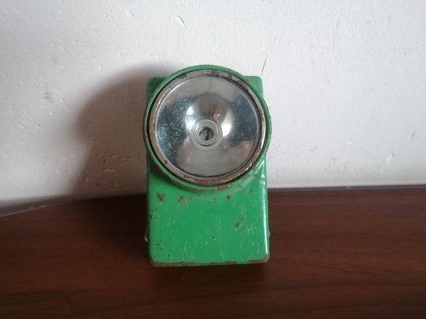 Stara latarka WUTEH z PRL zielona sprawna