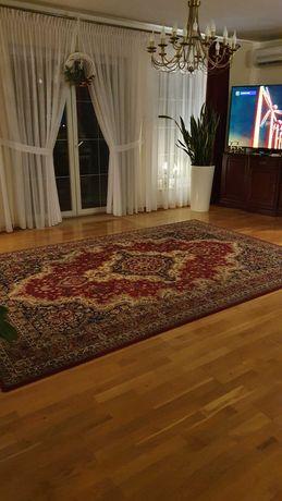 Wełniany dywan królewski