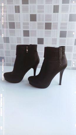 Туфли с каблуком