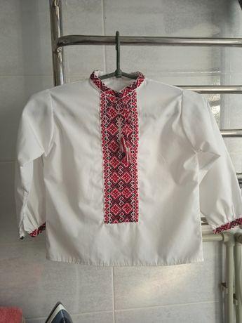 Вышиванка, рубашка, жилетка.