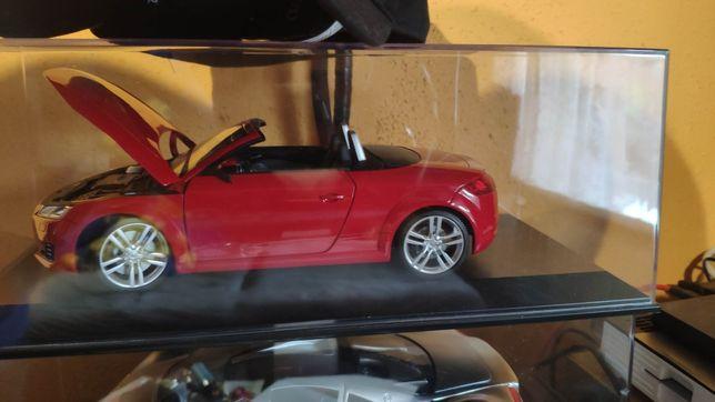 Audi tt cabrio minichamps 1:18 metalowe