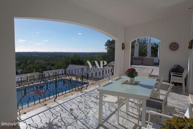 ALMANCIL - Charmosa moradia V3 + 2 apartamentos T1 com vista panorâmic