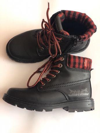 Ботинки Levi's (31 размер)