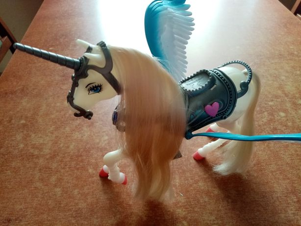 Zabawka - Kucyk ze skrzydłami