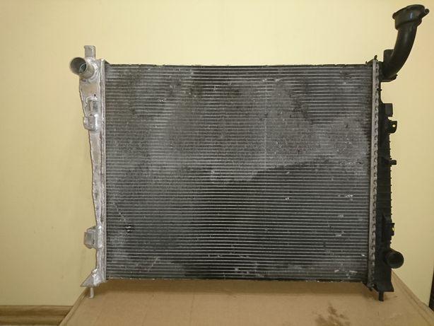 Оригинальный радиатор jeep Grand Cherokee wk2 55038001AH (52014529AB)