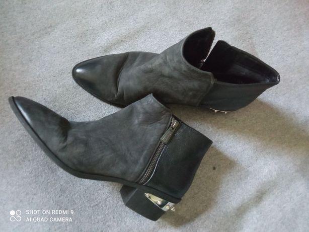 Ботинки ботильони кеди