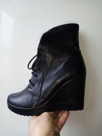Ботинки сапожки кожа 35-36р