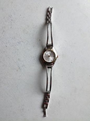 Zegarki różne damskie