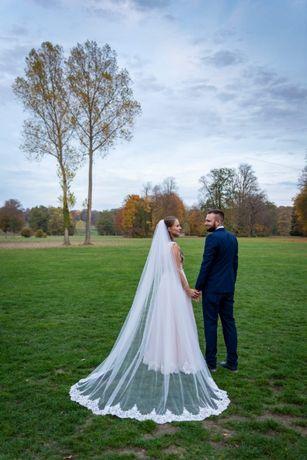 Suknia ślubna ..