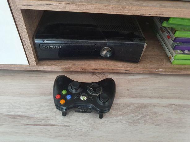 Konsola Xbox360 + kinect I jeden pad