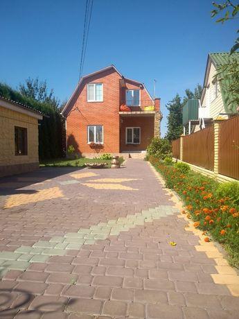 Продаж гарного і сучасного будинку по вул. Бучми.
