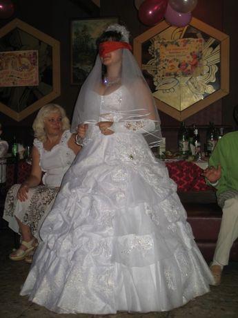 продам очень красивое свадебное платье р.46-48