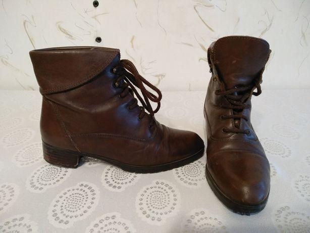 Продам ботинки демисезонные коричневые натуральная кожа 36-37 размер