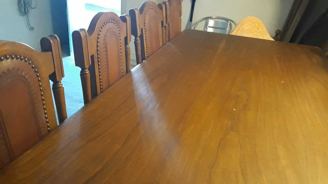 Conjunto mesa e cadeiras madeira maciça