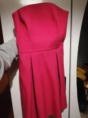 Sukienka różowa de facto