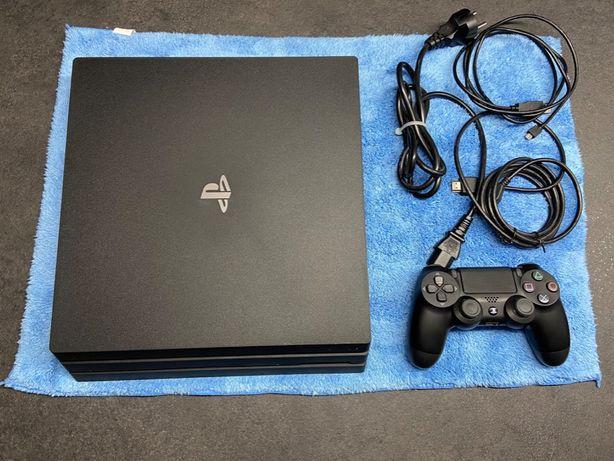 Konsola PlayStation 4 Pro 1TB CUH-7016B Dualshock 4 PS4