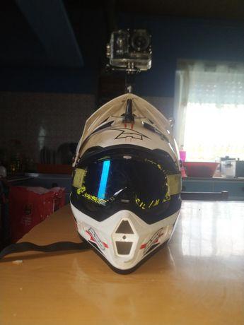 Vendo capacete motocross
