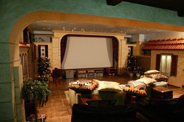 Предлагаются услуги по озвучиванию помещений,системам домашнего кино.
