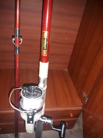 Cana Daiwa e carreto Ryobi para pesca  como novos