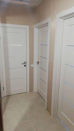 Новая межкомнатная дверь. Белая. Цена за комплект.