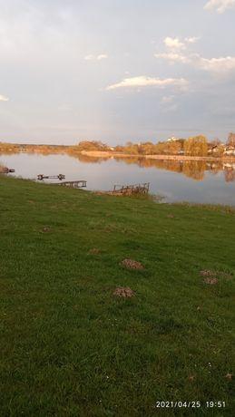Земельна ділянка наберезі озера