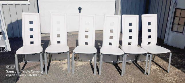 Krzesła tapicerowane białe