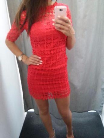 piękna czerwona sukienka !