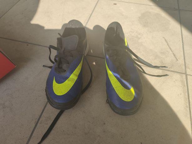 Buty piłkarskie halówki Nike Hypervenom rozmiar 33