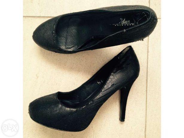 Sapatos salto alto - Stilettos pull and bear pretos 37 baixa de preço
