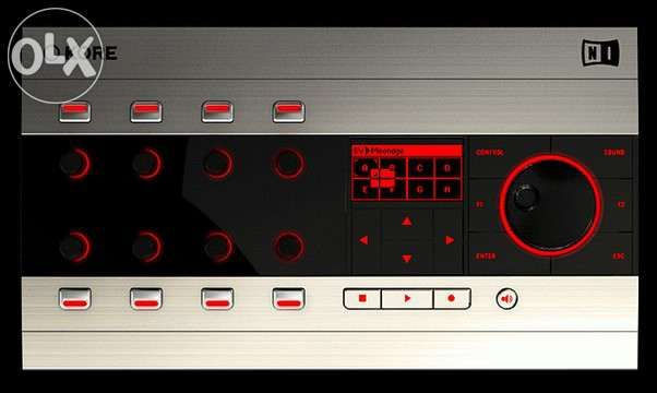 Controlador + software Kore 2 da Native Instruments