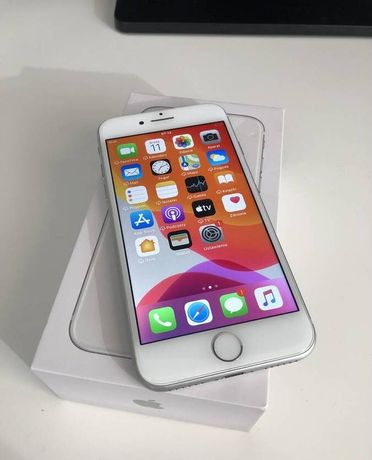 iPhone 8 64gb Silver IDEALNY