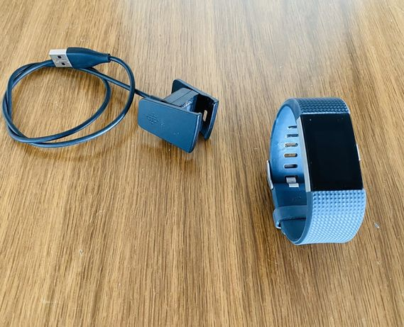 Fitbit Charge 2 (precisa substituir bateria)