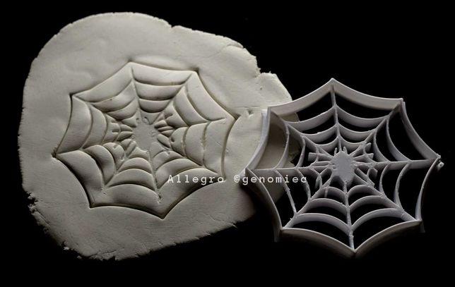 Foremka wykrawacz do ciastek HALLOWEEN sieć z pająkiem goth aesthetic